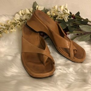 Clarks Thong Sandals
